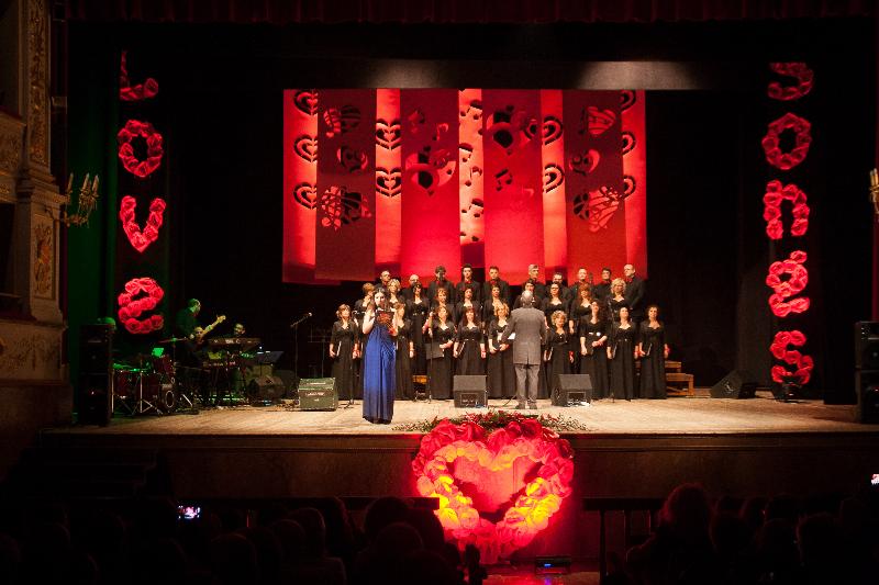 Concerto del Coro Giovani Fabrianesi al Teatro Gentile di Fabriano, per l'evento