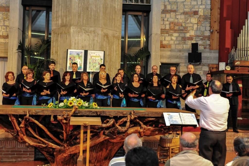 Il Coro Giovani Fabrianesi, diretto dal Maestro Dino Casanova